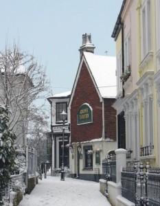 Grove Tavern TW